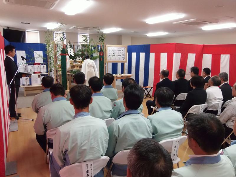 長崎県松浦市で社員寮の竣工式を...